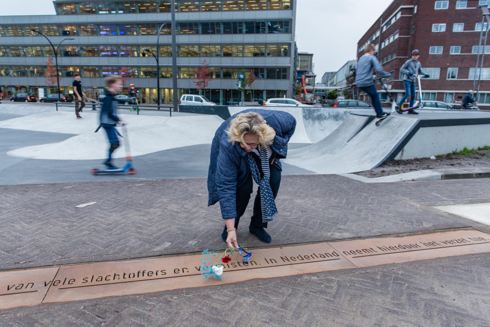 Onthulling monument april - mei staking, Hengelo