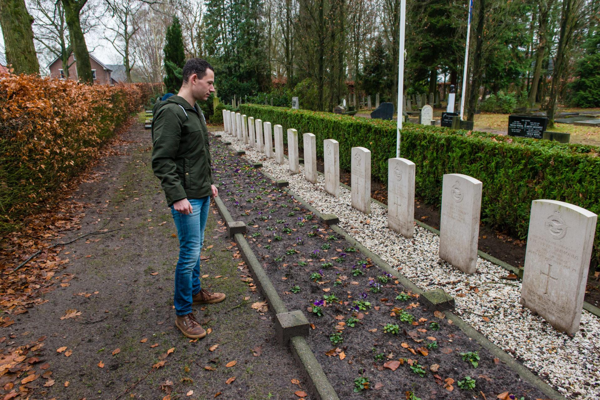 Stefan Hendriks, Oorlogsgraven Dalfsen